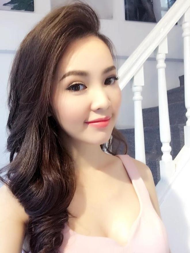 """4 MC đẹp hơn hoa hậu đang """"chiếm sóng"""" VTV - 2"""