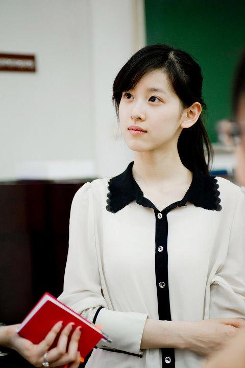 """Từ """"hot girl trà sữa"""" trở thành nữ tỷ phú trẻ nhất Trung Quốc - 4"""
