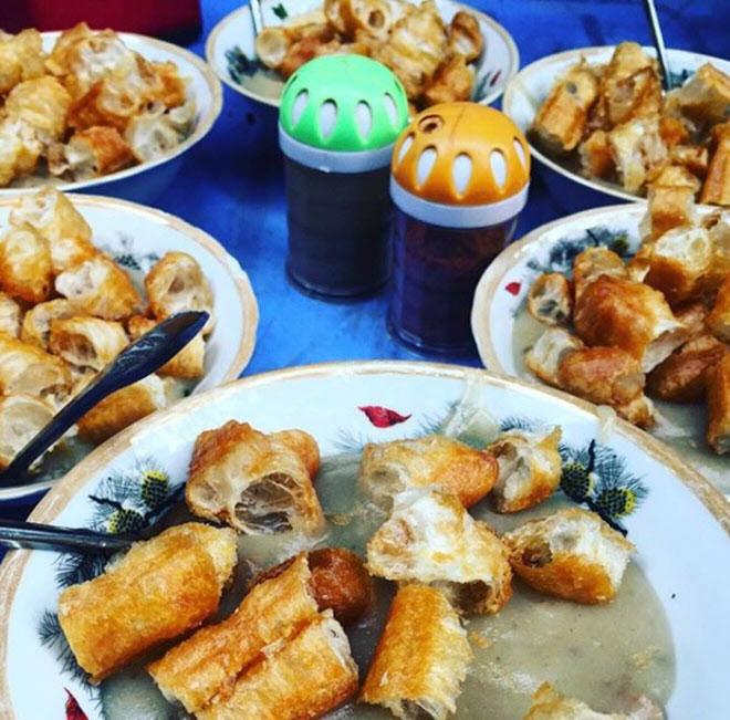 """Những khu ăn vặt nổi tiếng """"cái gì cũng có"""" ở Hà Nội - 9"""