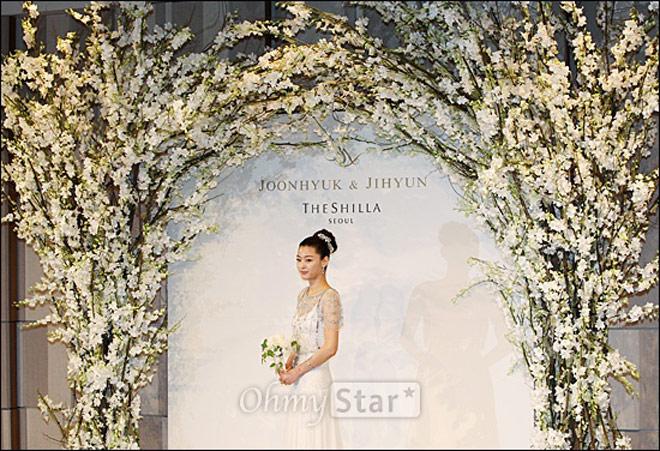 Choáng với hậu trường tiệc cưới tiền tỷ của Song Hye Kyo - Song Joong Ki - 11