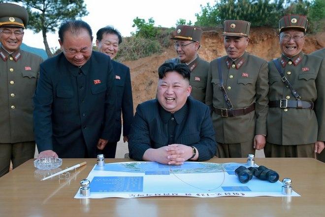 Lí do Triều Tiên tính dội tên lửa vào đảo Guam đầu tiên - 1