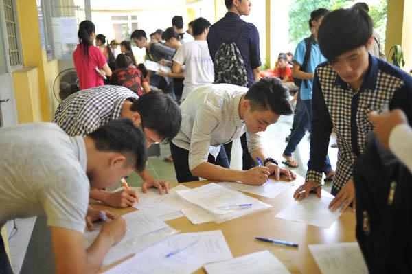 Hàng loạt trường đại học thông báo xét tuyển bổ sung - 1