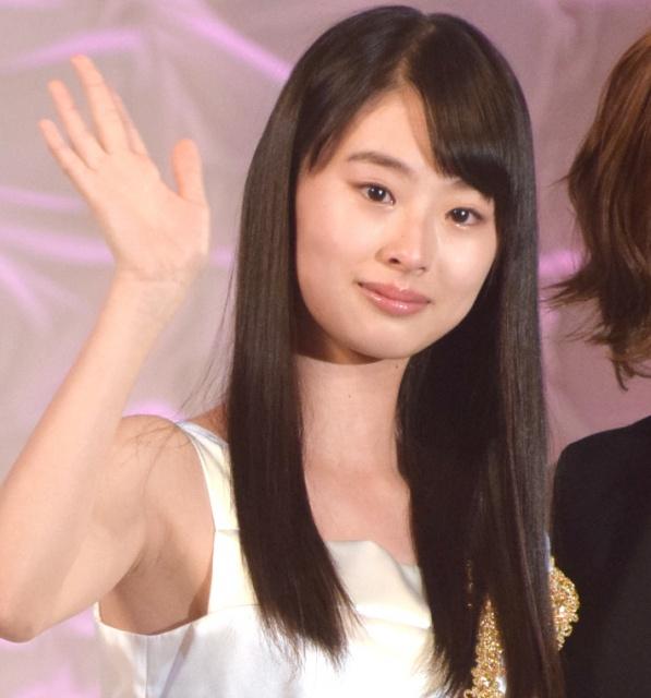 Bằng tuổi Phương Mỹ Chi, cô gái này đã là Thiếu nữ quốc dân Nhật Bản - 2
