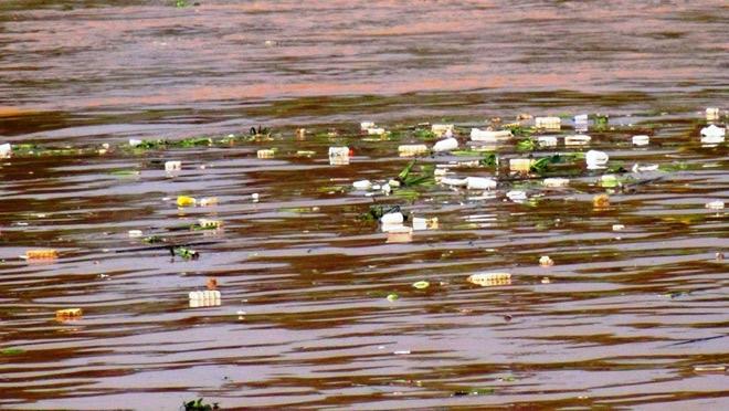 Phát hoảng khi thấy hồ Xuân Hương mộng mơ như bể chứa rác - 3