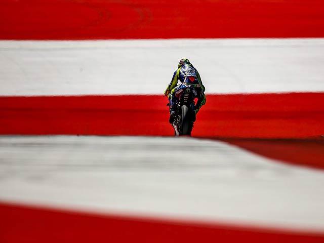 """Đua xe MotoGP: """"Tam mã"""" phân tranh, ngựa ô tung hoành"""