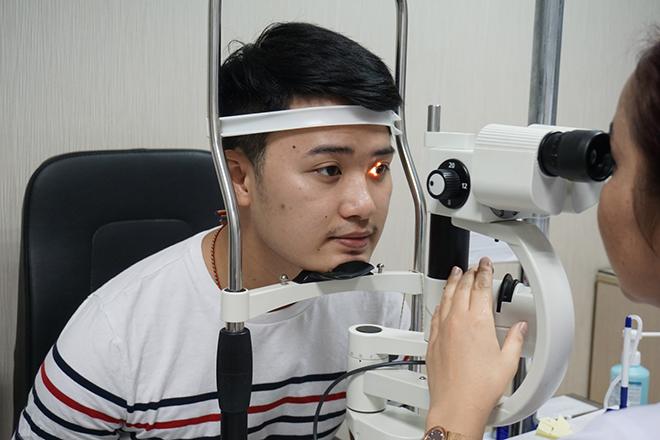Khó khăn trong việc lựa chọn phương pháp phẫu thuật cận thị phù hợp - 1