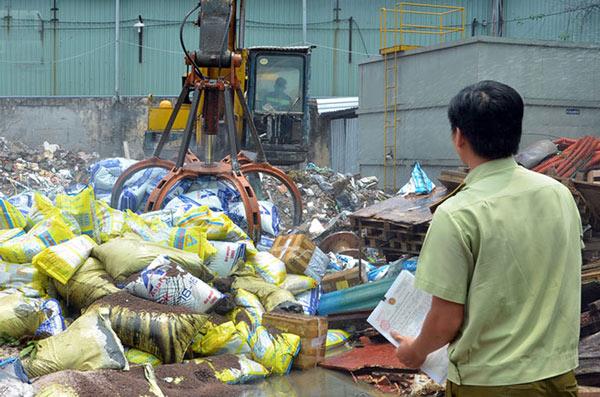 Việt Nam mất trắng 2,5 tỷ USD mỗi năm vì phân bón giả - 1