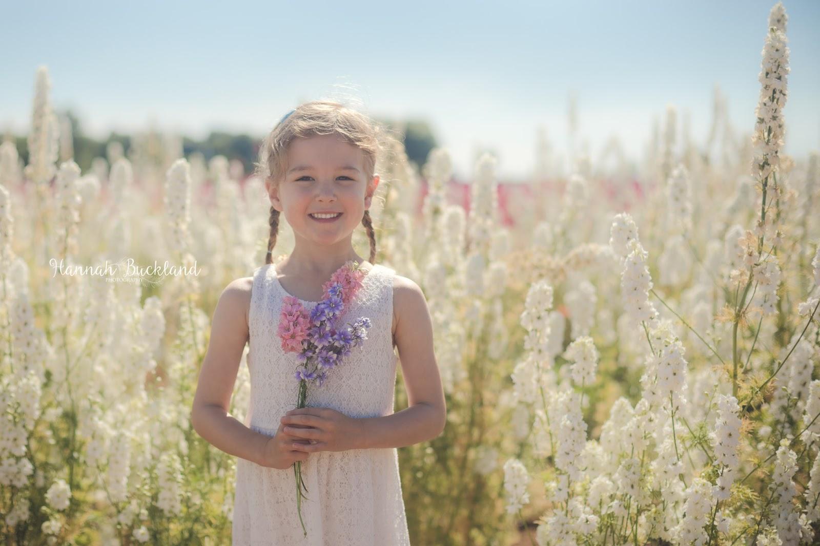 Ngỡ ngàng vẻ đẹp thiên đường hoa mùa hè chỉ mở cửa 7 ngày mỗi năm - 10