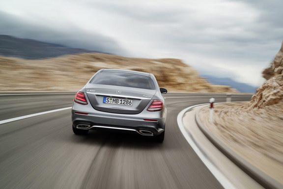 Mercedes-Benz nâng cấp nhẹ E-Class 2018 - 4