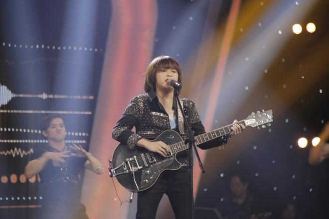 Khoe đủ tài lẻ, cậu bé 12 tuổi giành giải 300 triệu của Vietnam Idol Kids - 2
