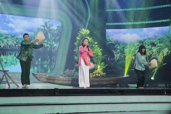 Khoe đủ tài lẻ, cậu bé 12 tuổi giành giải 300 triệu của Vietnam Idol Kids - 7
