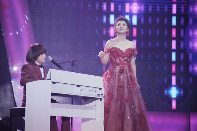 Khoe đủ tài lẻ, cậu bé 12 tuổi giành giải 300 triệu của Vietnam Idol Kids - 3