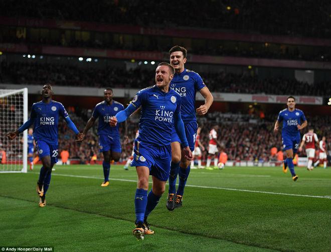 """Wenger """"nổ"""" tưng bừng với Arsenal, """"đá xoáy"""" Mourinho-MU - 2"""