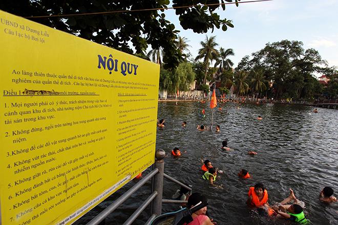 Ao tù hoá bể bơi xanh mát vạn người mê ở Hà Nội - 9