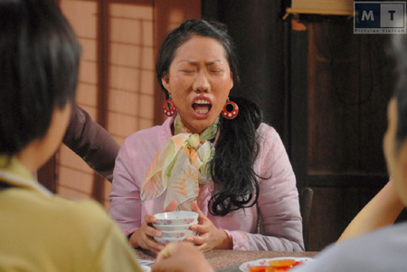 Choáng với tạo hình răng vẩu, ngọng líu lô của các người đẹp màn ảnh Việt - 2