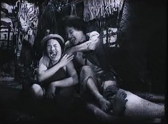 Choáng với tạo hình răng vẩu, ngọng líu lô của các người đẹp màn ảnh Việt - 12