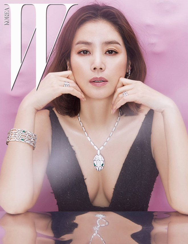 """U50 và có 2 con, """"mẹ Kim Tan"""" vẫn nuột như gái đôi mươi - 4"""