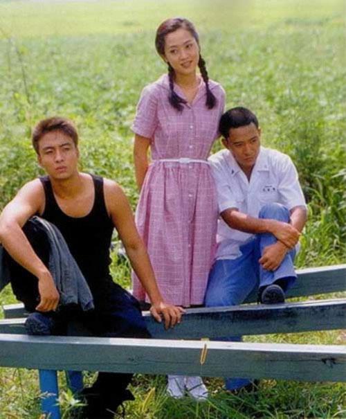 """Chẳng còn ai nhận ra đây là """"mối tình đầu"""" của hàng triệu chàng trai Việt - 2"""