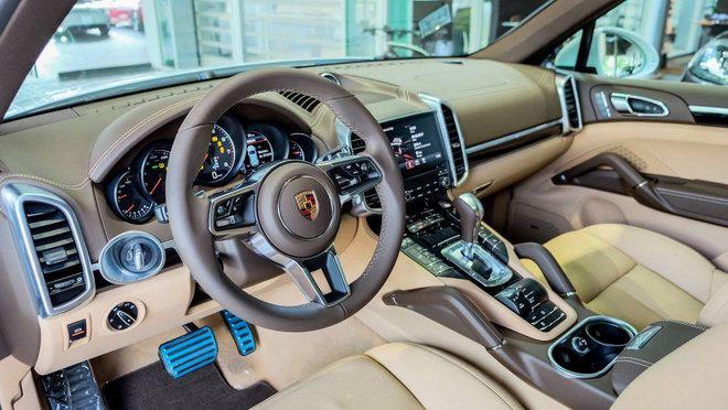 Porsche Cayenne Platinum Edition giá 5,3 tỷ đồng tại Việt Nam - 2