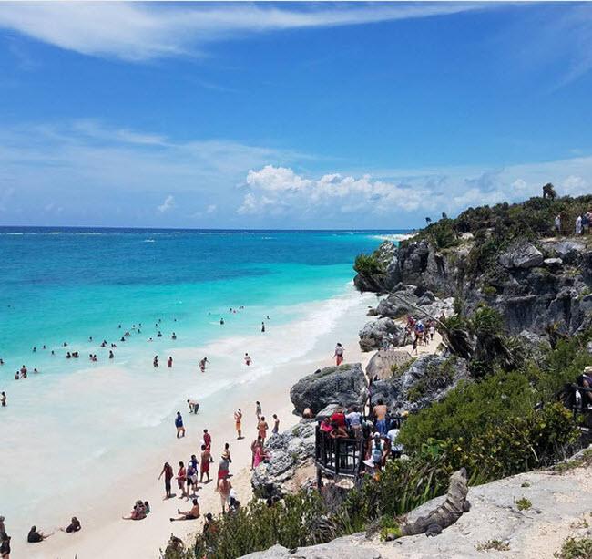 Những điểm du lịch nổi tiếng bị đe dọa vì quá đông du khách - 4