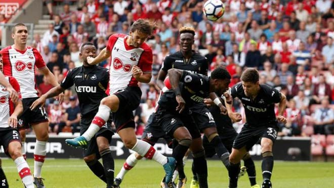 Southampton - Swansea: Nôn nóng và sai lầm - 1