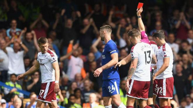 Chelsea thảm bại: Conte đổ lỗi học trò, né chỉ trích trọng tài - 1