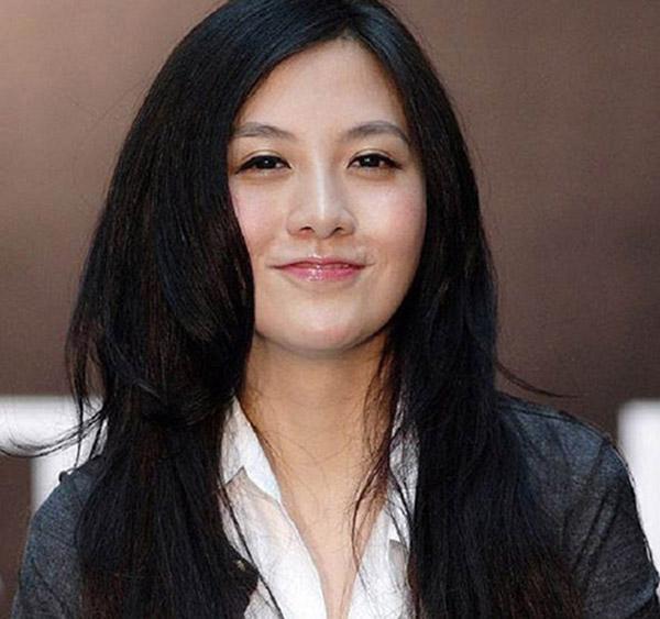 Top 5 người phụ nữ xinh đẹp lại sở hữu tài sản khủng - 1