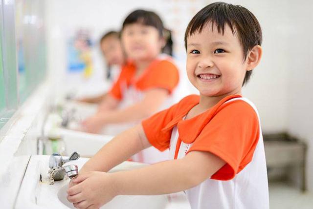 Cảnh báo những bệnh trẻ dễ mắc mùa tựu trường - 1