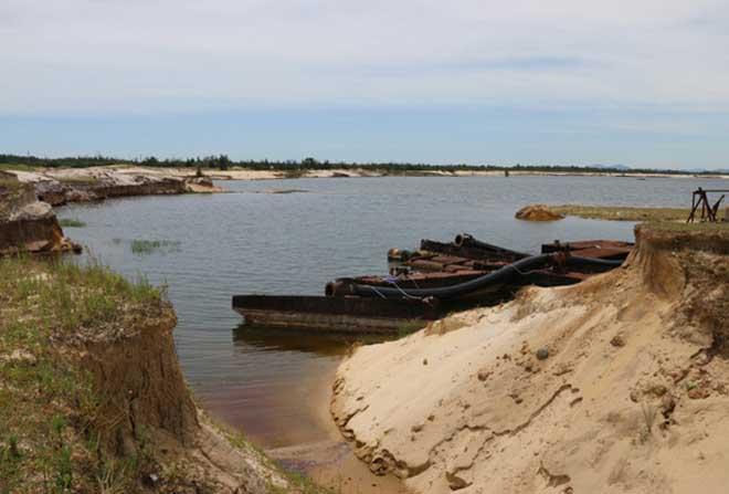 Cận cảnh công trường không bóng người ở mỏ sắt lớn nhất Đông Nam Á - 2