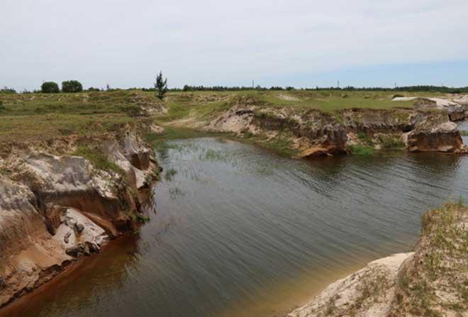 Cận cảnh công trường không bóng người ở mỏ sắt lớn nhất Đông Nam Á - 4