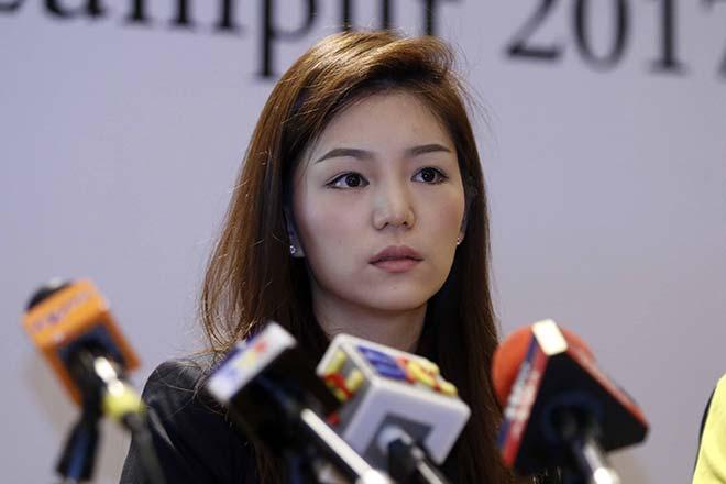 Nữ trưởng đoàn xinh đẹp U22 Thái Lan hết lời khen U22 Việt Nam - 1