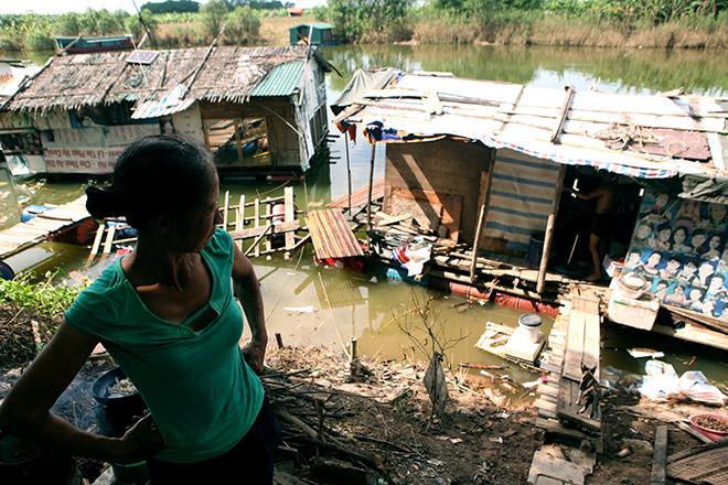 """Cận cảnh khu """"siêu ổ chuột"""" giữa trung tâm Hà Nội - 9"""