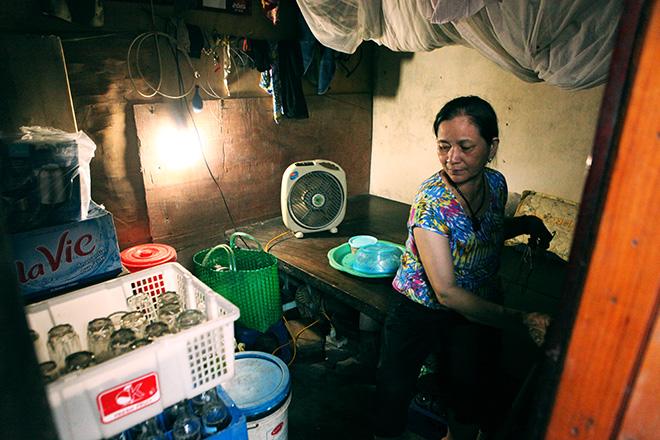 """Cận cảnh khu """"siêu ổ chuột"""" giữa trung tâm Hà Nội - 4"""