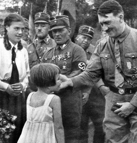 Loạt ảnh hiếm về trùm phát xít Hitler - 5