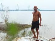 Tin tức trong ngày - Kí ức đau lòng của người đàn ông 30 năm vớt xác chết trên sông Hồng