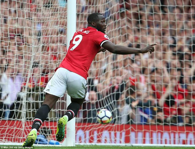 """Ấn tượng MU: Mourinho lạnh lùng, Lukaku """"điên"""" cùng Pogba - 1"""