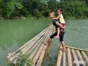 Lạng Sơn: Cô lập giữa ốc đảo, người dân thót tim qua cầu phao bằng tre nứa