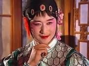 """Phim - Những pha giả gái """"không đỡ nổi"""" của Ngô Kinh"""