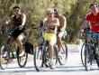 Hoàng thân ăn chơi nhất Ả Rập Saudi cởi trần, đạp xe trên phố