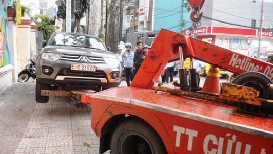 Bị ông Đoàn Ngọc Hải kéo ô tô về phường, chủ xe phản ứng bất ngờ