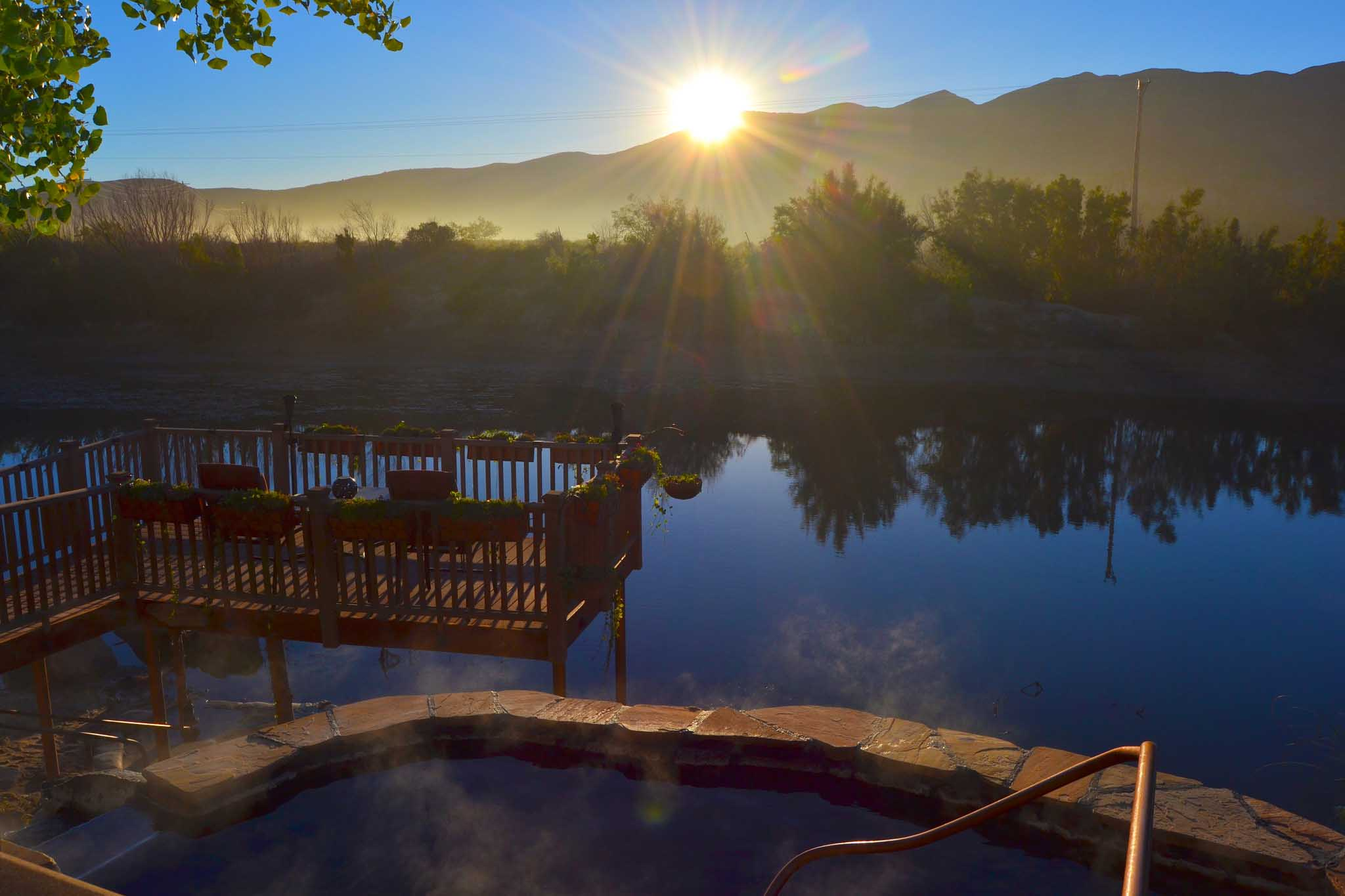 Quên đi sự đời tại 10 suối nước nóng bình yên, đẹp tuyệt trần - 4