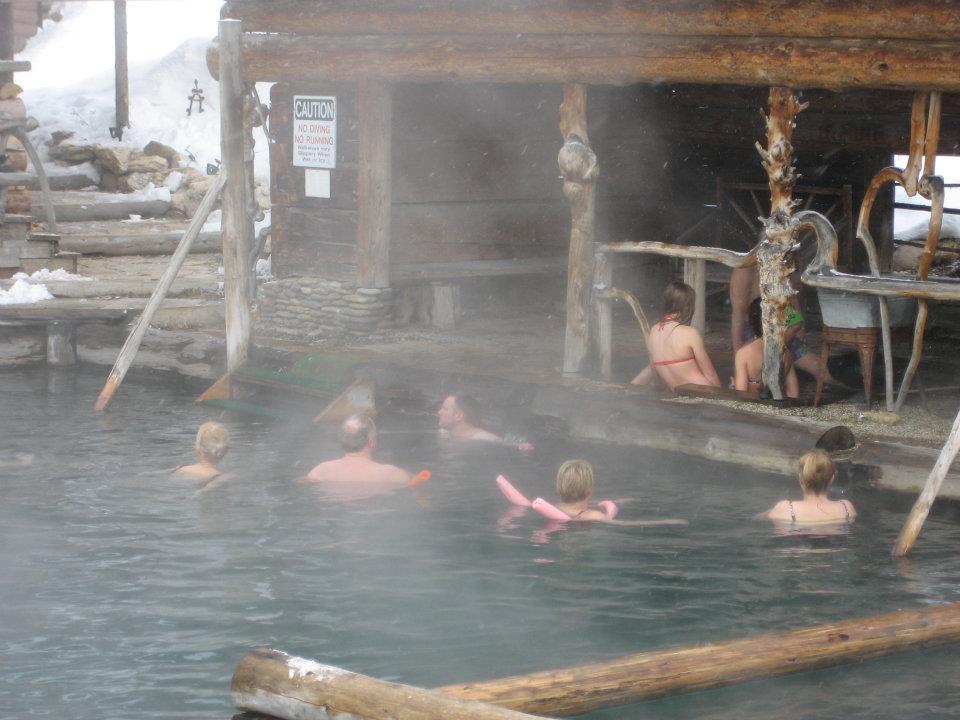 Quên đi sự đời tại 10 suối nước nóng bình yên, đẹp tuyệt trần - 9