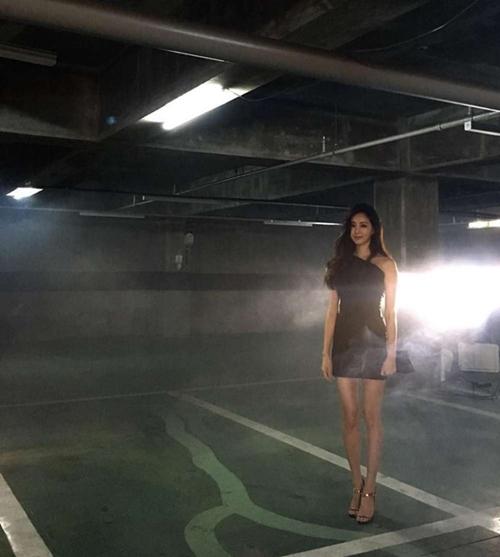 Loạt váy áo đốt mắt của Hoa hậu Hàn quốc có thân hình đẹp nhất - 2