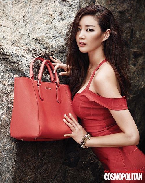Loạt váy áo đốt mắt của Hoa hậu Hàn quốc có thân hình đẹp nhất - 8