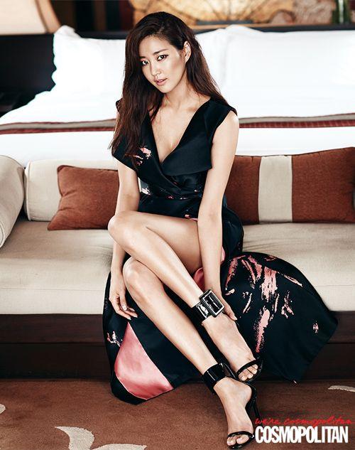 Loạt váy áo đốt mắt của Hoa hậu Hàn quốc có thân hình đẹp nhất - 7