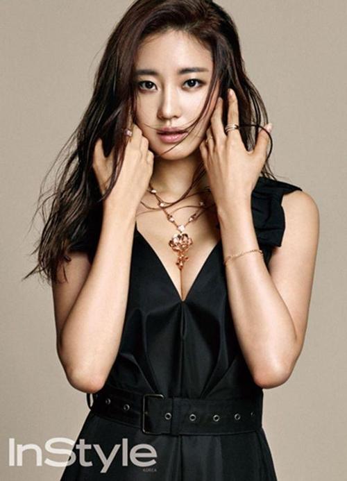 Loạt váy áo đốt mắt của Hoa hậu Hàn quốc có thân hình đẹp nhất - 5