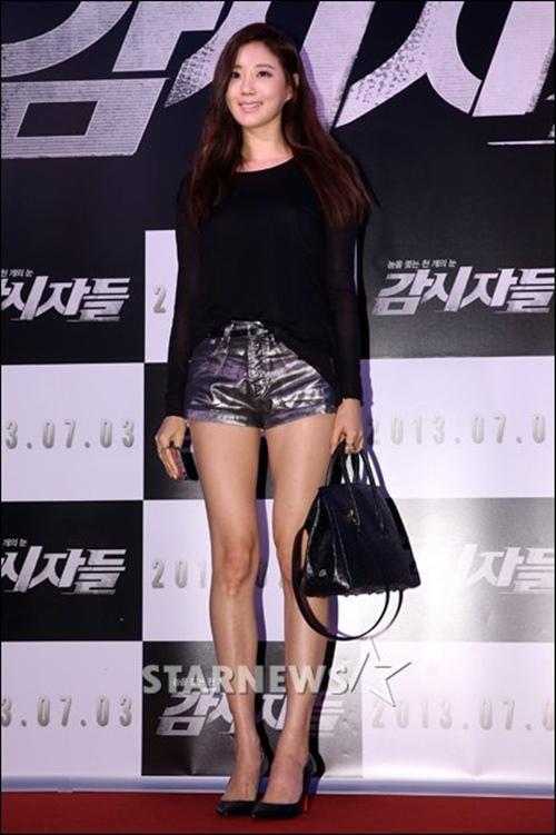 Loạt váy áo đốt mắt của Hoa hậu Hàn quốc có thân hình đẹp nhất - 10