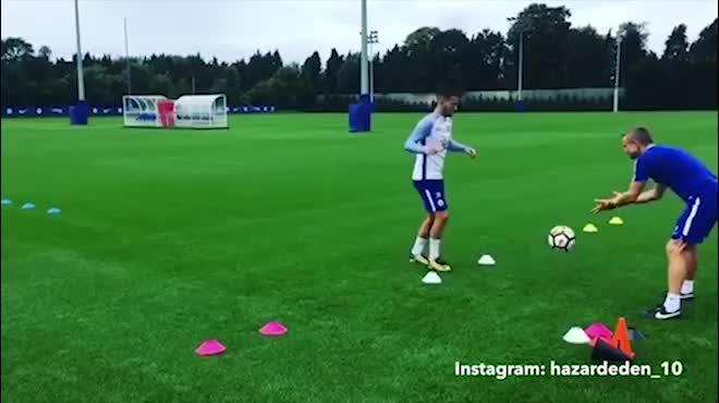 Hazard trở lại: Cứu Chelsea hay cấu kết Costa phản Conte?