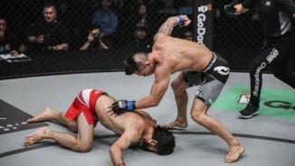 """Võ sỹ gốc Việt hạ """"Độc cô cầu bại"""" Nga, làm vua MMA"""