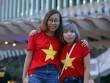 """Sắc đỏ sao vàng xinh xắn giữa """"biển người"""" lễ khai mạc SEA Games 29"""